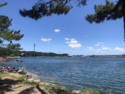 夏の海の公園_R.jpg